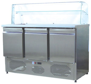 3 Kapılı Motor Altta Camlı Salata Hazırlık Buzdolabı